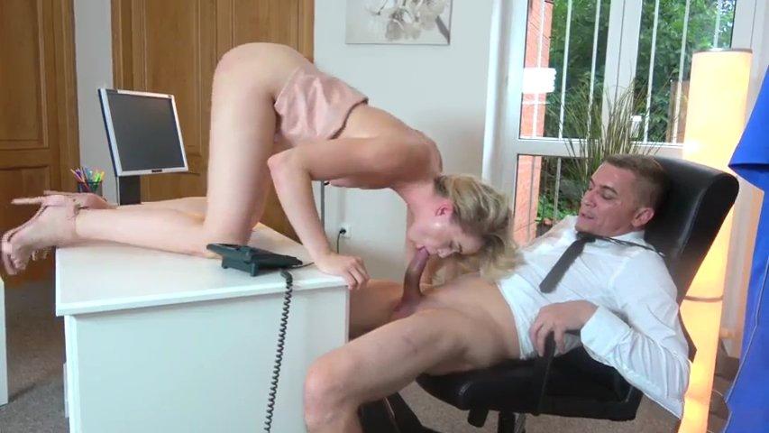 Сюжетное возбуждающее порно фото 196-915